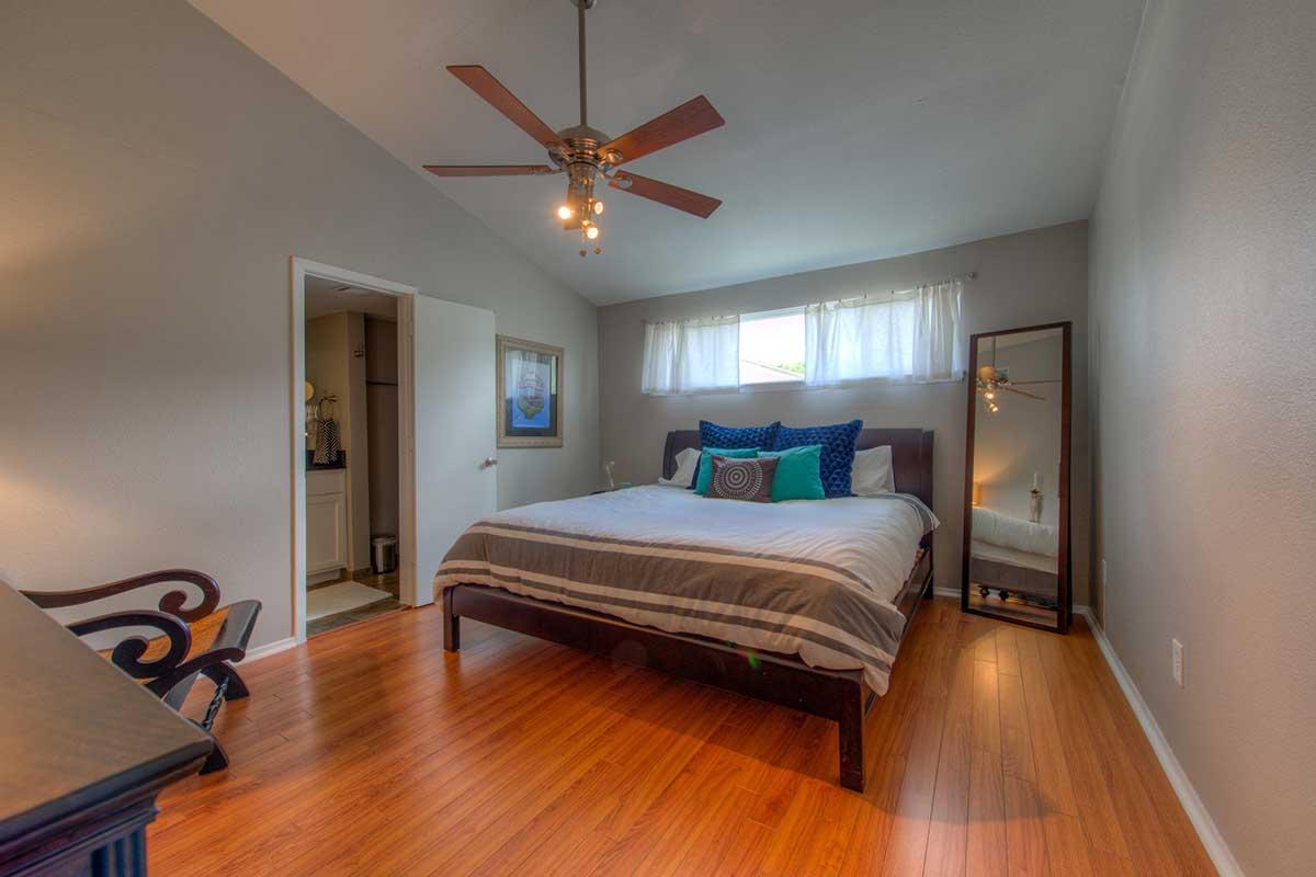 lakeshore guestroom
