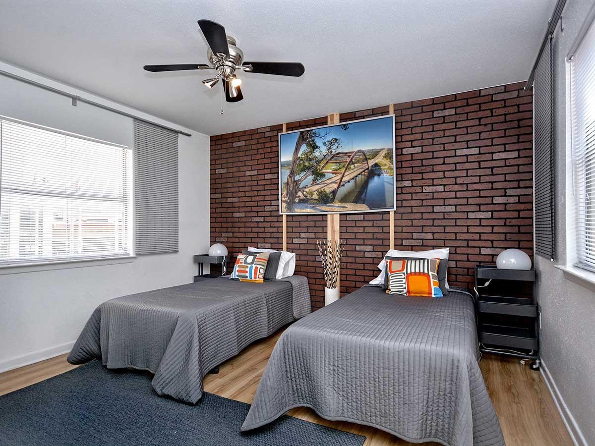 Metro Suite Guestroom